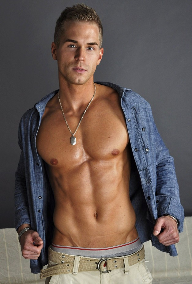 TeeJott-Model Andre E.